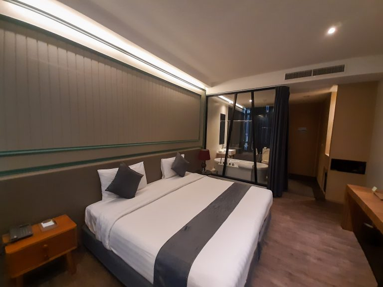 Deluxe Pool View Room20191221_145208